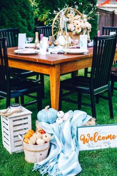 Don't miss this wonderful Fall Friendsgiving / Thanksgiving party! The party decorations are so pretty!  See more party ideas and share yours at CatchMyParty.com #catchmyparty #partyideas #thanksgiving #thanksgivingparty #friendsgivings #fallparty #fall