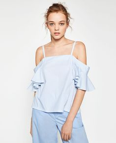 T-SHIRT WITH FRILLED SLEEVES