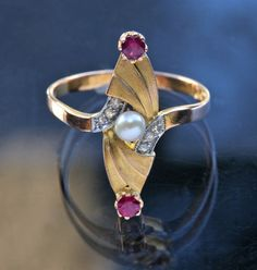 ART NOUVEAU Ring  Gold Ruby Diamond Pearl H: 2.1 cm (0.83 in)  Ring Size:  |UK:L½|  |US:6|  |EU:51.9|  |Asia:11.5| Marks: '750' European, c.1905