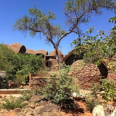 Mapungubwe interpretation centre by Peter Rich. The first sight of the building gave me goosebumps, it's a masterpiece World Heritage Sites, Centre, Give It To Me, Mansions, Architecture, House Styles, Building, Instagram Posts, Mansion Houses