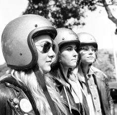 Venice Vixens photographed by Lanakila MacNaughton Cool Pictures, Cool Photos, Open Face Helmets, The New Wave, Lady Biker, Biker Style, Real Women, Venice, Motorcycles