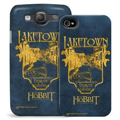 This phone case features a stamp-like graphic of Laketown or Esgaroth the city of men from the film The Hobbit:…