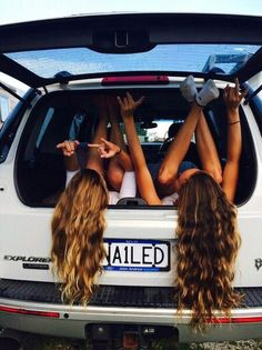 Image via We Heart It https://weheartit.com/entry/155990159/via/9191693 #<3 #car #girl #grunge #hair #tumblr #bestfriends