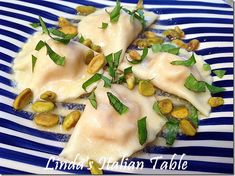Italian cooking and recipes Great Recipes, Favorite Recipes, Butternut Squash Ravioli, Filled Pasta, Italian Table, Dough Recipe, Tortellini, Yummy Eats
