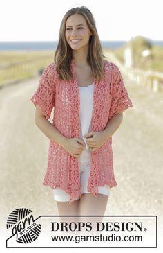 Met dit gratis patroon kun je een mooi gehaakt halflang damesvest met korte mouwen maken. Dit is een prachtig vest voor de lente en zomermaanden.