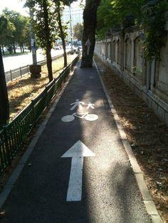 Die Stadtplaner, die diesen Fahrradweg entwarfen. | 32 Leute, die sich nicht für Details interessieren