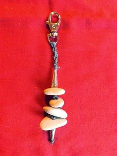 misticanza roma: Portachiavi con sassi