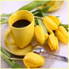 I must find a yellow Mug or cup for my Coffee. It has to taste better in yellow. Irish Coffee, Coffee Cafe, Good Morning Coffee, Coffee Break, I Love Coffee, My Coffee, Black Coffee, Coffee Girl, Coffee Flower