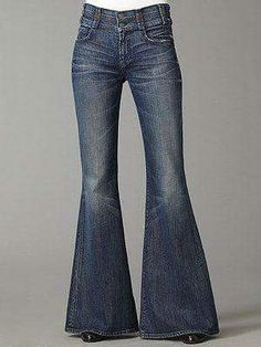 Loved Bell Bottom Jeans - the bigger the bells, the better! 70s Fashion, Vintage Fashion, Womens Fashion, Classic Fashion, Female Fashion, Hippie Style, 70s Mode, Hippie Culture, Jeans Pants