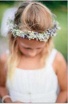 Gypsophila and limoneum  create this  pretty vintage head dress , designed by Lilypots of lake Geneva.