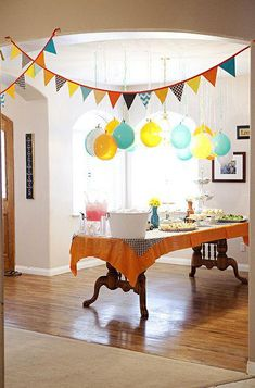 baby shower decorations 2019 Hanging balloons and garland- put a penny inside before you blow it up so it hangs better! The post baby shower decorations 2019 appeared first on Birthday ideas. Festa Party, Diy Party, Party Gifts, Birthday Fun, 1st Birthday Parties, Home Birthday Party Ideas, Birthday Garland, Birthday Breakfast, Party Garland