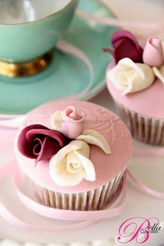 Bella Cupcakes:   dusky romance