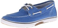 Sperry Halyard Boat Shoe (Toddler/Little Kid/Big Kid): A distressed upper and casual boat styling offer a relaxing approach to the Halyard loafer from Sperry Top-Sider. Boys Casual Shoes, Boys Shoes, Kids Clogs, Boys Loafers, Kids Slippers, Sperry Top Sider, Comfortable Shoes, Big Kids, Sperrys