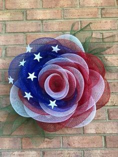 (Please read description box and pinned comment) Dollar Tree Splatter Guard Deco Mesh Rose Wreath Deco Mesh Crafts, Wreath Crafts, Diy Wreath, Tulle Wreath, Deco Mesh Wreath Tutorial, Wreath Ideas, Fourth Of July Decor, 4th Of July Decorations, July 4th