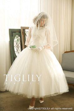 【楽天市場】ホワイトウエディングドレス(wb005)TIGLILY BASIC:ブライダルアモーレ