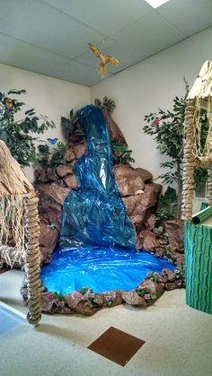 Need a VBS theme? Transform your VBS classroom into an Afr Jungle Decorations, School Decorations, Dance Decorations, Jungle Theme Classroom, Classroom Decor, Waterfall Decoration, Ganapati Decoration, Vbs Themes, Creation Deco