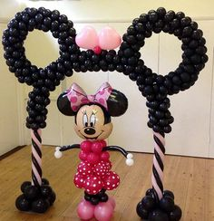 Minnie/Mickey arch