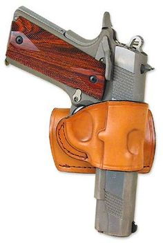 """The OWB """"Texas Yaqui Slide"""" holster is small enough to leave on your belt when not carry. 1911 Holster, Pistol Holster, 1911 Pistol, Leather Holster, Pistol Case, Revolver, Custom Holsters, Concealment Holsters, Bushcraft"""
