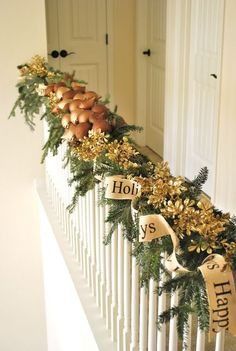 Stair Christmas garland 2 - in pale neutral colors