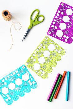 Let the kids doodle and color this adorable papel picado printable and make a colorful garland that you use to decorate your Day of the Dead altar. | LiveColorful.com