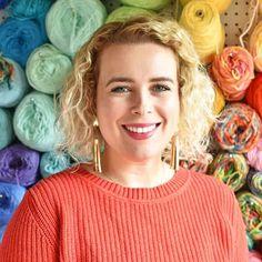 Invisible Increase and Invisible Decrease Crochet Techniques - Tiny Curl Crochet Crochet Santa Hat, Crochet Dolls, Crochet Christmas, Christmas Ornament, Invisible Decrease Crochet, Sewing Labels, Cat Amigurumi, Yarn Tail, Single Crochet Stitch