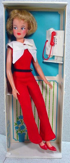 Ideal 1965 Pos'n Tammy in Telephone Booth.