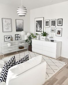 White Modern Living Room - White Modern Living Room, √ 22 Stunning Modern Living Room Ideas In 2019 Guru Home Modern White Living Room, Beautiful Living Rooms, My Living Room, Living Room Interior, Living Room Decor, Elegant Home Decor, Elegant Homes, Gray Interior, Interior Design
