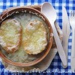 Zuppa di cipolle all'emiliana