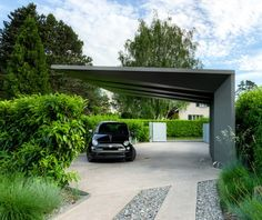 Carports are the easiest way to protect our vehicles from the hot sun and rain,when there is no parking area or a garage. In such cases carports are more than suitable and many people choose that. Design Garage, Carport Designs, Exterior Design, House Design, Carport Garage, Pergola Carport, Gazebo, Pergola Patio, Pergola Ideas