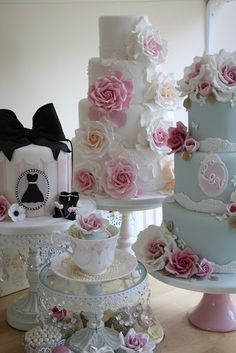 Lovely rose cakes