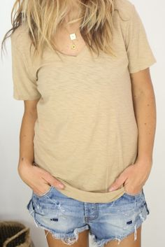 Perris V-neck / sand from ascot   hart