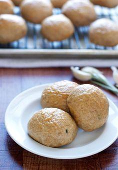 Roasted Garlic Potato Rolls