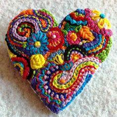 hartjes haken,gehaakte hartjes, pinterest, hartjes haakpatronen, gratis haakpatronen voor hartjes, valentijn, valentijns hart, valentino heart, crochet heart,free crochet pattern hearts, heart pattern, gratis haakpatroon hartjes, lindevrouwsweb, haakmaaraan