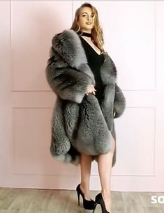 Fur Coats, Derp, Fox Fur, Crystal, Silver, Jackets, Fashion, Dressing Up, Down Jackets
