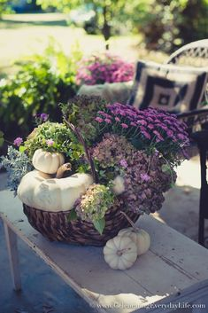 A Woman Puts A Trash Bag In A Thrift Store Basketu2014look At Her Gorgeous Fall  Front Porch Idea!