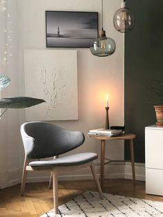 Neues Jahr, neuer Stuhl – grauer Stuhl von andas, zu kaufen bei Otto, der für einen Tapetenwechsel gesorgt hat. Vielfältig kombinierbar, er passt sich neuen Farben, Positionen und neuer Deko an