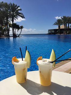 Pina Coladas at hotel Lopesan Costa Meloneras infinity pool