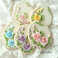 Nice idea for Mother's Day Mother's Day Cookies, Summer Cookies, Fancy Cookies, Iced Cookies, Biscuit Cookies, Easter Cookies, Cupcake Cookies, Cupcakes, Sugar Cookie Icing