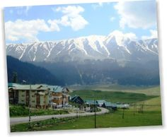 holidays in jammu and kashmir is among the most favoured tourist destinations of India which summon scores of tourists from across the globe. Jammu and Kashmir is a land of immense natural beauty where tourists come in large number to spend memorable holidays.