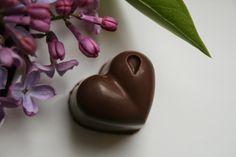 Godt og Sunt: Sjokolade konfekt med Bringbær eller Pistasj