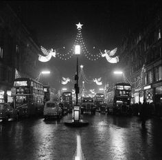 1960. The Regent Street Christmas lights at night. | 16 Magical Photos Of Old-Time Festive London