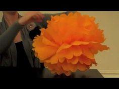 Como hacer pompones con papel de seda | Para el Bebé