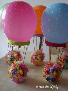 Balão de Palhacinhos!        Balão de palhacinhos feito em E.V.A com uma   bexiga de estrelinhas e dentro do balão foram   colocadas bala...