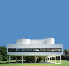 La Villa Savoye de Le Corbusier (1928-1931), Poissy - classée en 1965 (premier classement du vivant d'un architecte)