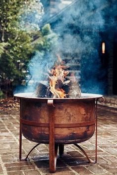 The Exterior Fire Pit Ring – Outdoor Kitchen Designs Outdoor Rooms, Outdoor Gardens, Outdoor Living, Diy Fire Pit, Fire Pit Backyard, Fire Pits, Backyard Bbq, Copper Fire Pit, Outdoor Kitchen Design