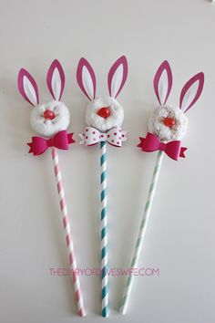 Easter Bunny Pops- so cute and easy to put together #Easter
