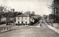 Half tone reproduction of photograph of St Albans 1907 Temple Bar, St Albans, Old Street, Street Photo, Countryside, Britain, Past, Street View, City