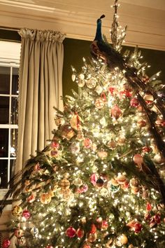 Christmas: Glamour and Traditional / karen cox. Chinoiserie Chic: A Chinoiserie Christmas - Tory Burch