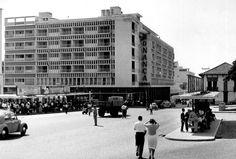 //..., Mutamba, Luanda, Angola// //Data de Construção: ...., Autor - Arquitecto Arq. Alberto Pessoa//