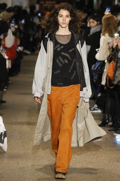 See the complete Koché Fall 2016 Ready-to-Wear collection.